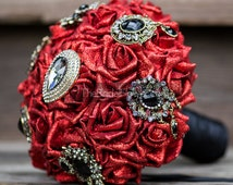 Red and black brooch wedding bouquet vampire bride inspired vintage gold plated black brooches glitter red roses pirate modern wedding