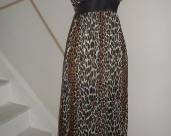 vintage 1960s 70s leopard nightgown   small