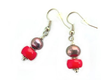 Freshwater pearls with coralbeads Earrings