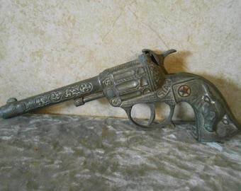 """1950's  Working ( """" STAR """" )Metal Toy Cap Gun"""