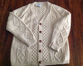 Free ship! Vintage Hand Knitted Great Britain Celtic Woollens Cardingan ~ Pure New wool Cardigan ~ Made in Great Britain