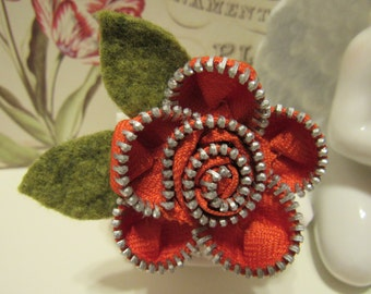 Zipper Flower Pin, Brooch, Orange with green wool leaves, Rosette,Silver