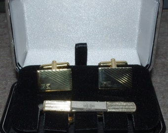 3pc Cuff Link and Tie Clip Set Gold Tone - S1431