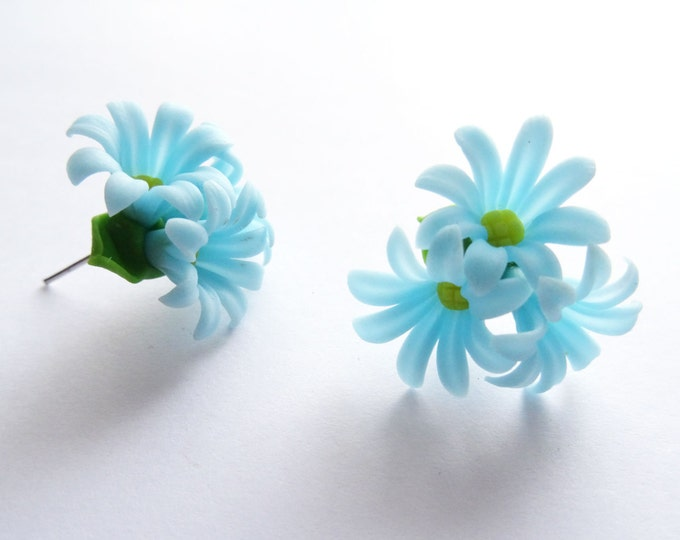 Cute Blue Bunch of Daisy Flowers Earrings C003 - Rockabilly Studs Pin Up Chic 50s Party Bride Prom Geek Present Birthday Wedding