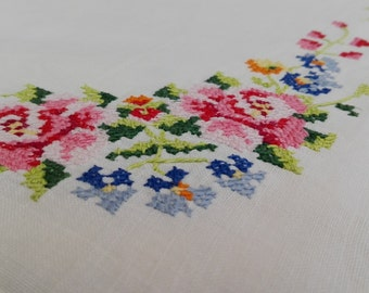 Vintage white cotton tablecloth with embroidered roses.  Swedish vintage linen 1970'