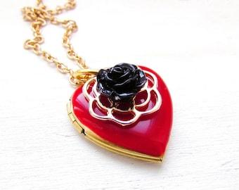 Red heart locket necklace, heart locket vintage, photo locket necklace vintage, red necklace, red heart pendant vintage, red heart necklace