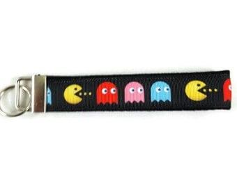 PacMan key fob, Video Game key chain, Pac Man wristlet keychain, Fabric Wristlet, Fabric Key Ring