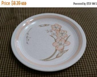 On Sale Baker, Hart and Stuart Michelle Pattern Stoneware 7.50 inch Salad/Dessert Plate Collectible Kitchen
