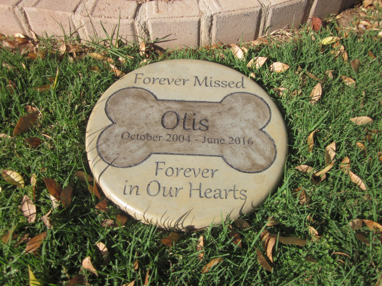 Engraved pet memorial 11 d 39 forever missed forever - Personalized garden stepping stones ...