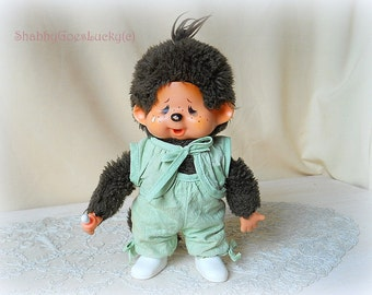 Sekiguchi 1974 crying Monchhichi girl, tagged, with pacifier & original clothes + shoes, Japan vintage monkey doll, chica-boo, kiki