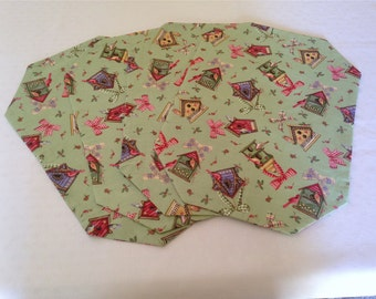 Set of 4 Everyday Use Placemats Featuring Pastel Green Gackground and Colorful Birdhouses