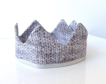 Wool print crown