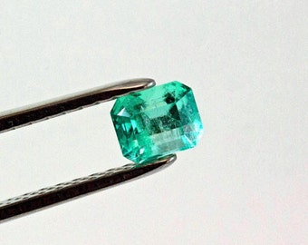 6.8 X 5.5mm 1.38 ct  Emerald Cut Natural Colombian Emerald Loose Gemstone