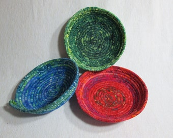 Rope Basket Rope Bowl Fabric Coiled Basket. Fabric Coiled Bowl. Batik Bling Dish. Batik Basket. Fabric Dish.  Red, Blue Green Basket