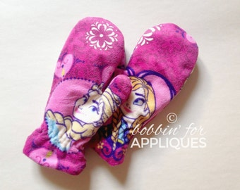 Children's sized fully lined Mittens ITH In the Hoop Embroidery Design