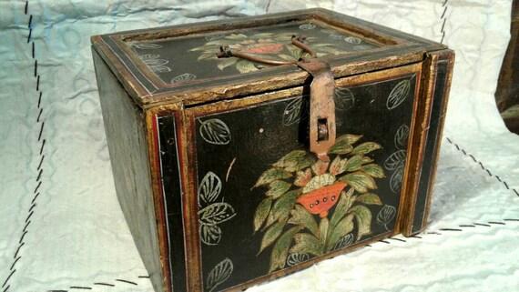 Hand Painted Wood Box Hinged Lid Metal Handle Hasp Vintage