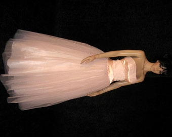 Vintage Lovely Pink Peach 1940's Strapless Full Length Gown – Excellent! - 6