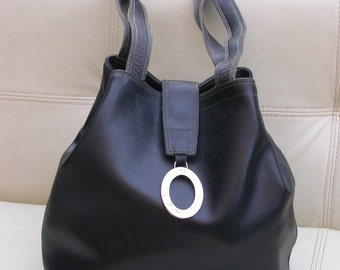 Original Lancel leather  strap bag  bucket shape Collection luxury bag France Paris bucket bag