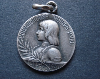 Antique french silvered religious medal pendant of Saint Jeanne d'Arc Joan of Arc and maison ( house ) de Jeanne d'Arc. ( 14 )