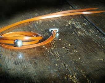 Tahitian black pearl,  Australian leather, man bracelet unique design