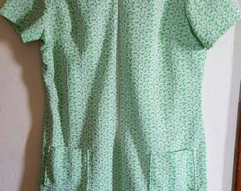 Vintage 1960s Green and White Polyester Dress