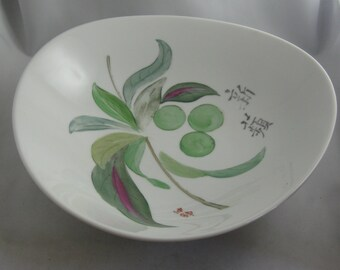 Rosenthal Germany. Munich. Hand painting. Age old porcelain bowl APFELKINDER (APPLE KIDS). Diameter about 25 cm. Vintage