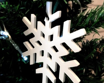 Set of 10 x Crystal Snowflake Christmas Tree Decorations in White Acrylic