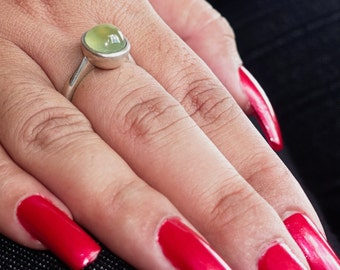 Simple Gemstone Ring with an oval shaped green Prehnite Sterling Silver 925 size 7 (GR180)