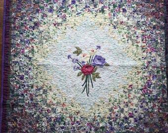 Watercolor bouquet quilt (vintage)