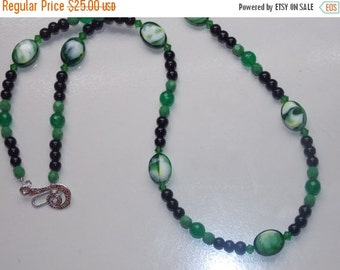 40%OFF Green Ovals and Black Pearl Necklace