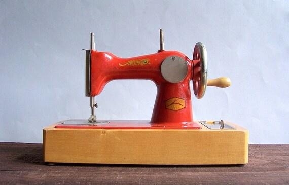 Vintage Soviet Toy Child Sewing Machine Working Condition