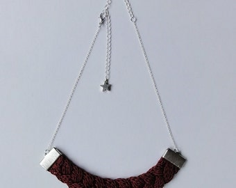 Clem: bordeaux nylon plaited necklace