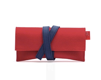 Burgundy red felt clutch with contrasting blue closure band, handmade in Italy, クラッチバッグ.