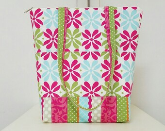 Tote Bag, Pink & Green Floral, 3 Exterior Pockets, 3 interior pockets Sections,Shoulder Straps,Weekend Bag,Travel Bag.