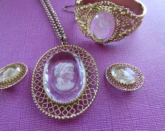 Whiting & Davis Cameo set.  Vintage Jewelry.