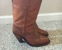 Vintage 1970's 1980's FRYE Carmel Leather Cowboy Western Boho 3 3/4 inch wood Stacked Heel Boots #7895 Size 6 1/2 size 6 Boots