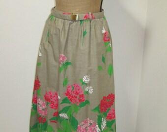 Novelty Border Print 1960s Vintage Skirt with Original Belt & Pockets! 1960s Skirt Womens Vintage Vintage Skirt 60s skirt Large Full Skirt