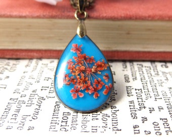 Real flower necklace - blue and red flower jewellery - teardrop shape - dried flowers - botanical necklace - handmade gifts for women