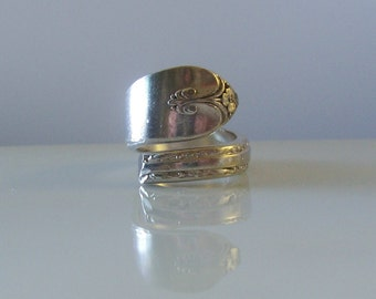 1940 Exquisite Pattern Spoon Ring