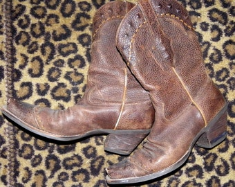Vintage brown leather Ariat WING TIP cowboy cowgirl BOOTS 8B