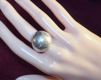 Large Appealing Etched Silver Domed Ring