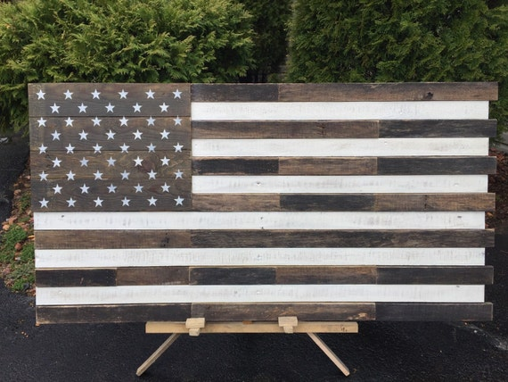 Reclaimed pallet american flag hanging wall art