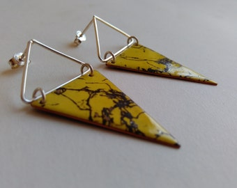"""silver earrings """"marbling """" Yellow and black color."""