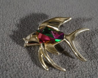 Vintage Art Deco Style Silver Tone Designer Signed Sarah Coventry Fish Design Pin Brooch Jewelry    K#35