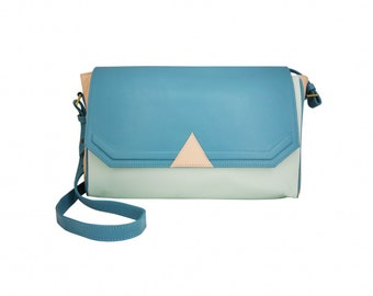 BALANCES Hobo graphic delta in emerald green lamb Suede, green and beige