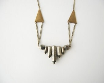 Pyrite Short Collar Necklace (Antiqued Brass)