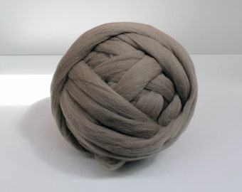 Many colours 1 - 2 kg Arm Knitting Merino Wool. 3 inch stitch. 19 Microns. Extreme Knitting. Wool Roving.