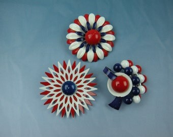Lot of 1960's Mod Flower Power Brooches