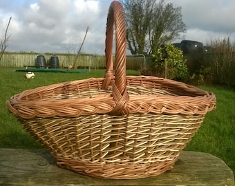willow Oval Shopping Basket