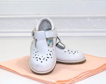 Vintage White toddler Mary Jane shoes sz 5